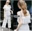 Lady Ribbon ขายส่งเสื้อผ้าออนไลน์พร้อมส่งของแท้ LR14220716 &#x1F380 Lady Ribbon's Made &#x1F380 Lady Michelle Pure White Off-Shoulder Lace Jumpsuit thumbnail 1