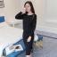 ชุดเซทเสื้อผ้าแฟชั่นเกาหลีพร้อมส่ง เสื้อ+กระโปรงผ้าไหมพรม thumbnail 4