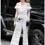 Lady Ribbon ขายส่งเสื้อผ้าออนไลน์พร้อมส่งของแท้ LR14220716 &#x1F380 Lady Ribbon's Made &#x1F380 Lady Michelle Pure White Off-Shoulder Lace Jumpsuit thumbnail 3