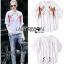 Shirt in White เชิ้ตคอกลมผ้าคอตตอน thumbnail 4