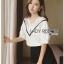 Lady Ribbon Online ขายส่ง เสื้อผ้าออนไลน์ ของแท้ ราคาถูกพร้อมส่ง เลดี้ริบบอน LR16140716 &#x1F380 Lady Ribbon's Made &#x1F380 Lady Analeigh Sweet Chic Monochrome Lace and Cotton Blouse thumbnail 4