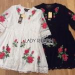 Lady Ribbon ขายส่งเสื้อผ้าออนไลน์พร้อมส่งของแท้ LR13220716 &#x1F380 Lady Ribbon's Made &#x1F380 Lady Penelope Red Roses Embroidered and Laser-Cut Button-Down Chiffon Dress