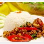 ข้าวผัดกะเพรา Rice topped with stir-fried basil