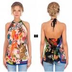 เสื้อเว้าไหล่คล้องคอต่อลายดอกไม้และนกแก้ว งานแบรนด์ Gucci ดีเทลเนื้อผ้า Silk Satin เนื้อนุ่มพริ้วกึ่งเงาสวมใส่สบายพิเศษอย่างดี