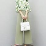 เสื้อคอกลม แขนระบาย+กางเกงขายาว 9 ส่วน ตัวเสื้อเปนเสื้อคอกลม เนื้อผ้าไหมญี่ปุ่นลายดอกไม้ เนื้อดีมากค่ะ