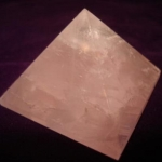 711 Rose Quartz Pyramid ขนาด 10 cm