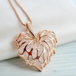 AE1660 - สร้อยคอแฟชั่น,สร้อยคอ,สร้อยแฟชั่น,เครื่องประดับ Korean jewelry gold crystal three-dimensional hollow love leaves sweater chain Long necklace