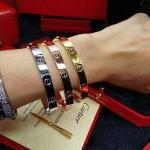 Cartier Diamond Bracelet กำไลข้อมือหน้าโลโก้คาร์เทีย งานเพชร CZ แท้งานเกรดไฮเอน