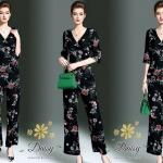 *ชุดเซท เสื้อ+กางเกง เป็นจอเจียร์เนื้อดี ใช้ผ้าดีที่สุดทำค่ะ สกรีนลายดอกไม้บนพื้นดำ *