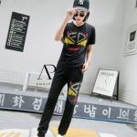 กางเกง FENDI ปักเลื่อม รูปตา FENDI สีเหลือง กลางเสื้อและขากางเกงด้านข้าง เอกลักษณ์ของแบรนด์ FENDI รุ่นนี้งานปักแน่นๆเลยนะค่ะ