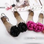 รองเท้าสำหรับหน้าฝนงานแตะซิลิโคนใสโชว์ผิวเท้างานสวยๆ เกร๋ๆ ดีไซน์ประดับดอกไม้ผ้าซาตินสวยทำจากยางซิลิโคนอย่างดีเนื้อนิ่มทนทานต่อการใช้งาน ยืดหยุ่นเวลาสวมใส่ สามารถโดนน้ำได้ค่ะ