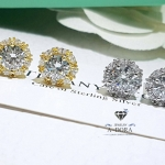 Diamond earring ต่างหูเพชรล้อมรอบด้วยเพชรรีเม็ดเล็กๆ งานละเอียด สวยมาก