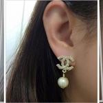 Chanel Earring งานมุก ตัวเรือนสีทองชุบ 18KGP ไม่ลอกไม่ดำ