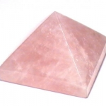 701 Rose Quartz Pyramid ขนาด 9 cm