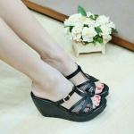 รองเท้าลำลองส้นตัน ทรงสวย ผ้าบุนิ่ม กระชับเท้า สายลอคปรับได้ตามความอิ่ม ของเท้าจ้า