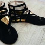 แบบใหม่พร้อมส่งรองเท้าหุ้มข้อทรง Gladiator หน้าแบบหนีบโชว์ผิวเท้าสวย หลังเป็นซิปสวมง่ายถอดง่าย งานดีทรงสวยตามแบบใส่สบายเท้าไม่ ใส่ชิวเข้าง่ายกับทุกชุดคะ