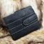 กระเป๋าสตางค์ผู้ชาย หนังแท้ ทรงสั้น GUBINTU Line Button Zip - สีดำ thumbnail 1