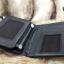กระเป๋าสตางค์ผู้ชาย หนังแท้ ทรงตั้ง รุ่น GUBINTU Line Button Zip - สีดำ thumbnail 10