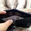 กระเป๋าสตางค์ผู้ชาย หนังแท้ ทรงตั้ง รุ่น GUBINTU Line Button Zip - สีดำ thumbnail 11