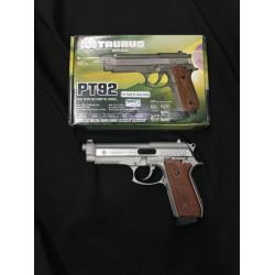 Cybergun Taurus PT92 Hairline Silver CO2 GBB Product Brand: Cybergun Product Code: CY-210527 Hop-Up: ADJUSTABLE Weight: 1,292 g Length: 217 mm Capacity: 28 rds Power: 340 fps Power Source: CO2 Blowback: YES Shooting Mode: Semi Auto