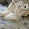 New.รองเท้า Magnum กันน้ำ พื้นหนึบ / ดอกยางหนา / ถึกทนสไตล์ 🔰 เนื้อผ้า Condura ที่เป็นที่รู้จักกันดี ที่ทหารทั่วโลกใช้ ว่าเป็นเนื้อผ้าที่ถักทอ แน่นหนา มีความทนทานสูง มากกว่าตะกูล D ทั้งหลาย (อย่าง 600D 1000D) 🔰ด้วยการออกแบบหรือดีไซน์ให้เหม
