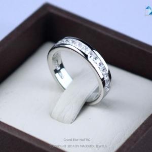 แหวนเงินแท้ เพชรสังเคราะห์ ชุบทองคำขาว รุ่น RG1435 Grand Eternity Half G