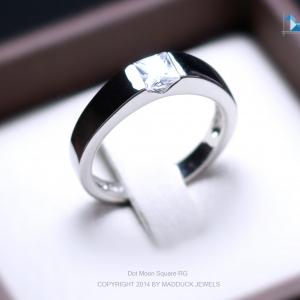 แหวนเงินแท้ เพชรสังเคราะห์ ชุบทองคำขาว รุ่น RG1475 Dot Moon Square B