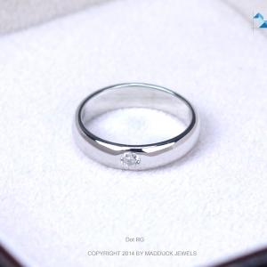 แหวนเงินแท้ เพชรสังเคราะห์ ชุบทองคำขาว รุ่น RG1456 Dot B