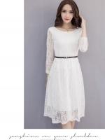 เดรสสีขาว ผ้าสวยมาก ลูกไม้เต็มตัว มีซับใน ซิปหลัง เรียบร้อย ผ้าอยุ่ทรง กระโปรงยาวสุภาพ