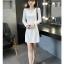 เดรสสีขาว ตัวนี้ผ้าดีมากก เนื้่อสวย งานหนา ซิปหลัง เข้ารูปให้ดูมีสัดส่วน ช่วงสะโพกไม่คับ สุภาพสวยงามค่ะ thumbnail 1