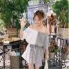เสื้อแฟชั่นเกาหลี โชว์ไหล่ แต่งสายเดี่ยวแขนสั้น สีขาวสลับลายริ้วสีดำ