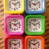 นาฬิกาปลุก เหลี่ยมสี แพ็ก 6 ตัว