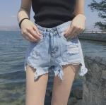 กางเกงยีนส์ขาสั้น แต่งขาดเซ็กซี่ แถบข้างสีชมพู