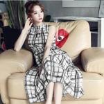 Maxi Dress เดรสยาวแขนกุด สีขาวแต่งลายสีดำ