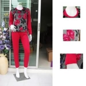 ชุดลองจอน หญิง ลายวูลดอกไม้แดง