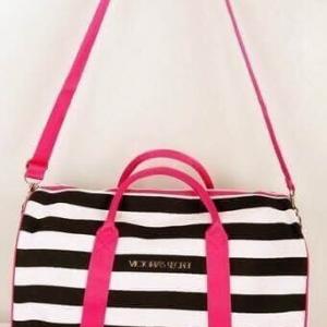 VICTORIA'S SECRET TRAVEL BAG กระเป๋าเดินทางใบใหญ่