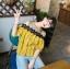 เสื้อแฟชั่นเว้าไหล่สไตล์เกาหลี ซีทรูช่วงอก แต่งลูกไม้ สีเหลืองลายดอกไม้ thumbnail 6