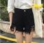 กางเกงยีนส์สีดำ ขาสั้น แต่งขาด ต่อผ้าตาข่ายสีดำ thumbnail 3