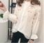 เสื้อเชิ้ตแฟชั่นแขนยาว แต่งลายปักดอกบอสซั่ม สีขาว thumbnail 5