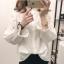 เสื้อเชิ้ตแฟชั่นแขนยาว แต่งลายปักดอกบอสซั่ม สีขาว thumbnail 4