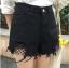 กางเกงยีนส์สีดำ ขาสั้น แต่งขาด ต่อผ้าตาข่ายสีดำ thumbnail 1