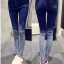 กางเกงยีนส์แฟชั่น แต่งขาดปลายขา สีไล่ระดับ โทนสีน้ำเงิน