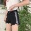 กางเกงยีนส์ขาสั้นสีดำ แต่งแถบข้างสีขาวสองเส้น thumbnail 4