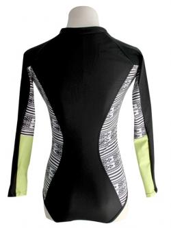พร้อมส่ง ชุดว่ายน้ำแขนยาว วันพีซสีดำ ซิปหน้า ลายข้างลำตัวสวยสีขาวดำ ปลายแขนสีเขียว