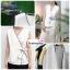 เสื้อผ้าแฟชั่นสวยๆ เสื้อทำงาน สีขาว แขนกุด แบบผ้าป้ายสุดฮิต กุ้นขอบสีสวยๆตัดกัน ผูกโบว์เอว สวยเรียบหรู thumbnail 4