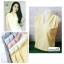 เสื้อแฟชั่นผ้าฮานาโกะ แขนกุด คอวี (สีขาว) จับจีบไหล่ ทรงสวยเรียบหรู สินค้าคุณภาพดี ใส่ได้ทุกโอกาส thumbnail 2