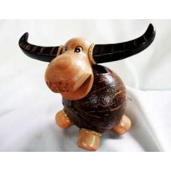 ออมสินกะลามะพร้าวรูปควาย Coconut Shell Buffalo Savings