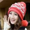 หมวกไหมพรมแฟชั่นเกาหลีพร้อมส่ง ทรงดีไซต์เก๋ แต่งลายสีแดงสลับขาว มีจุกด้านข้าง