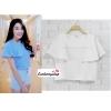 เสื้อครอป ผ้าฮานาโกะ สีขาว แต่งระบายแขน แบบสวยหวานสไตล์เกาหลี มีซิปหลังค่ะ เนื้อผ้าฮานาโกะคุณภาพดี