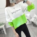 เสื้อแขนยาวแฟชั่นพร้อมส่ง เสื้อแขนยาวแต่งสีขาวสลับเขียว แต่งสกรีนตัวอักษร +พร้อมส่ง+